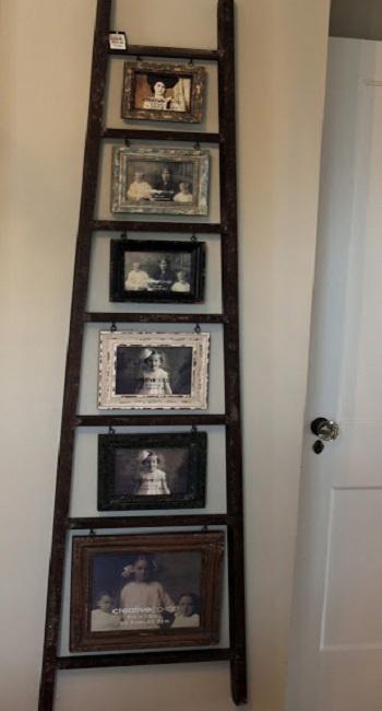 Escalera de mano, como estante-marco • Wood ladder as a rack-frame