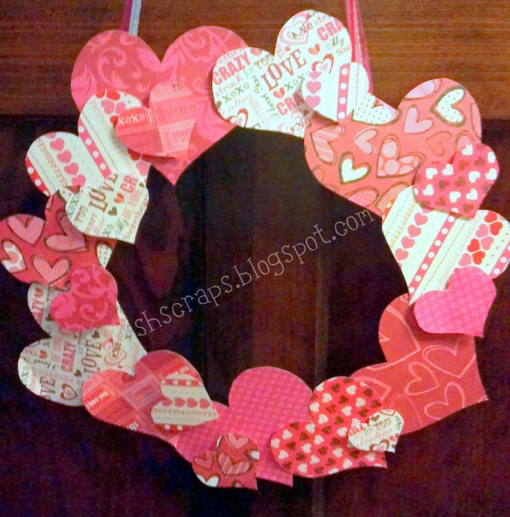Valentines Wreaths to make | School House Scraps: Valentine's Wreath