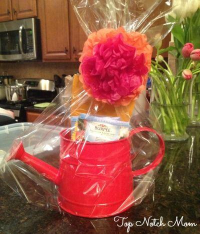 Bunco Party Ideas with Top Notch Mom #bunco #spring #summer #moscatosangria