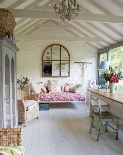 Sun porch furniture!!  Fabulous Homes & Decor  Pinterest