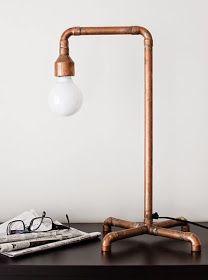 Lampe design récup à partir de tuyaux de cuivre