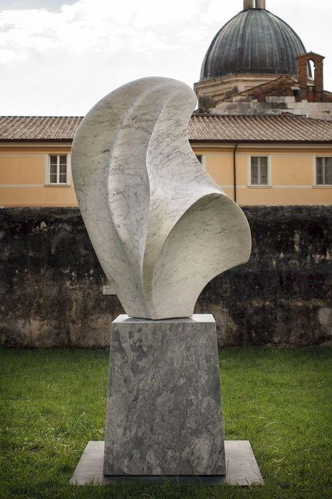 """Nel 2013 inaugura la mostra """"Gustavo Vélez Scultore"""" a Pietrasanta"""