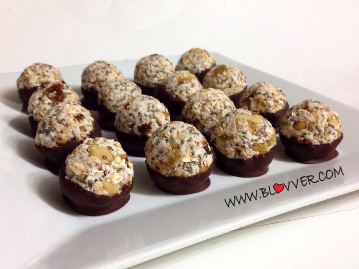 Receta bombones de avena, coco y chia. - BLOVVER BlogLover