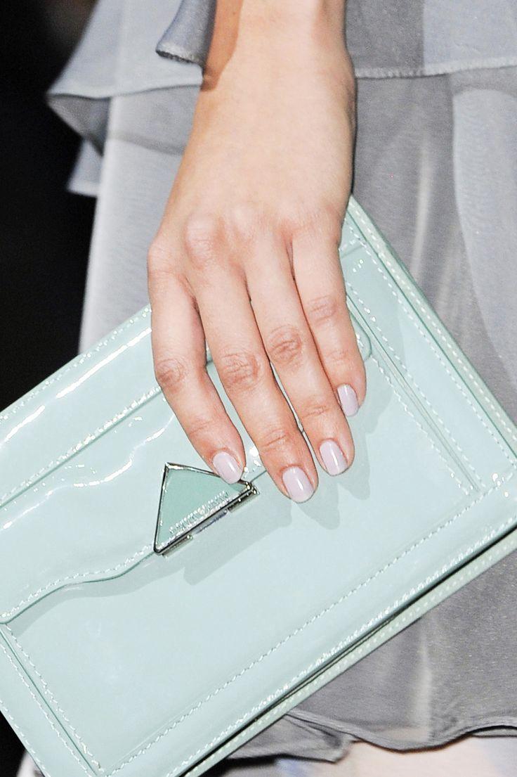 Manicure: trendy wiosna-lato 2014, Emporio Armani, fot. Imaxtree
