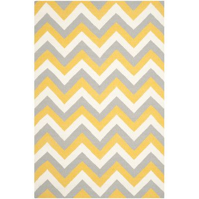 Safavieh Dhurries Gold/Grey Chevron Area Rug Rug Size: 5' X 8'