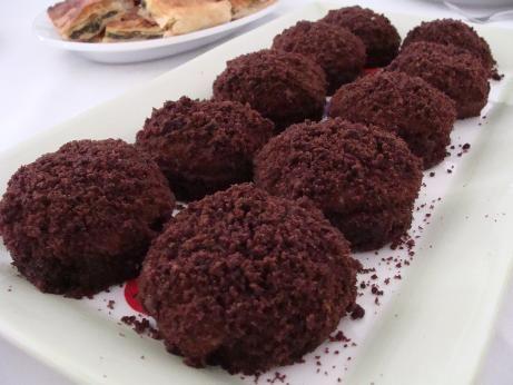 Köstebek Pasta Tarifi, Muzlu Çikolatalı Canim Anne  http://www.canimanne.com/kostebek-pasta-tarifi-muzlu-cikolatali.html
