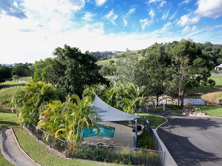 Coreen Manor - Mount Samson