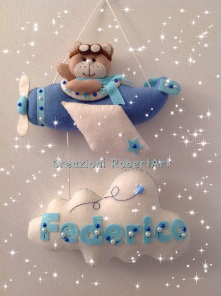 Fiocco nascita pannolenci, con orso aviatore, aereo Creazioni RobertArt