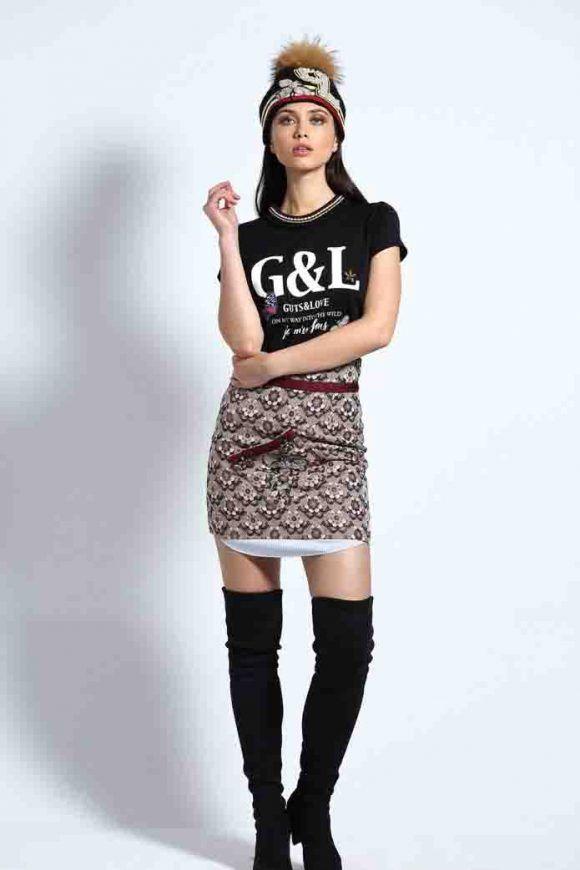 ➡ ¿Te gusta vestir a la #moda? Te encantará la mini #falda Wine Luxury de #GutsandLove! Disponible en la #boutique #MaribelFernández