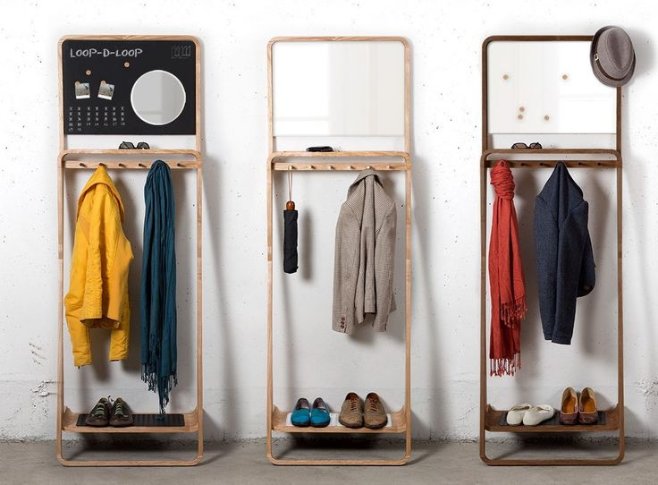 Kapstok, #kledingkast of rek - met deze multifunctionele Leaning Loop kun je alle kanten op. Ideaal ook voor kleine ruimtes of #appartementen. #woonidee #interieur