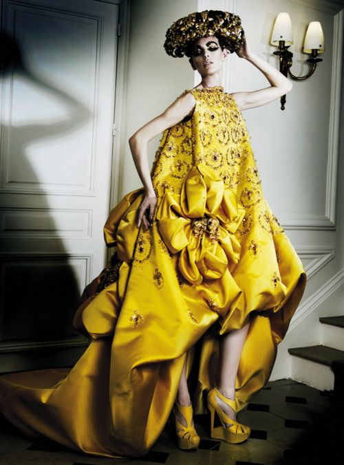 1000 images about john galliano on pinterest spring for Haute couture translation