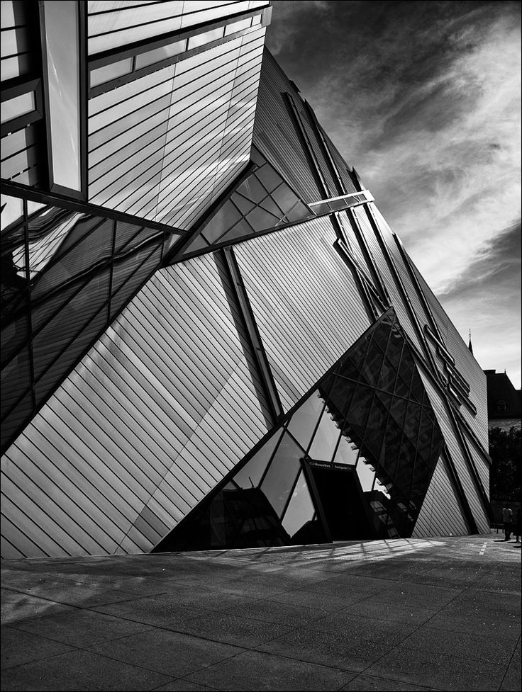 Top 25 ideas about daniel libeskind the crystal for Daniel libeskind architectural style