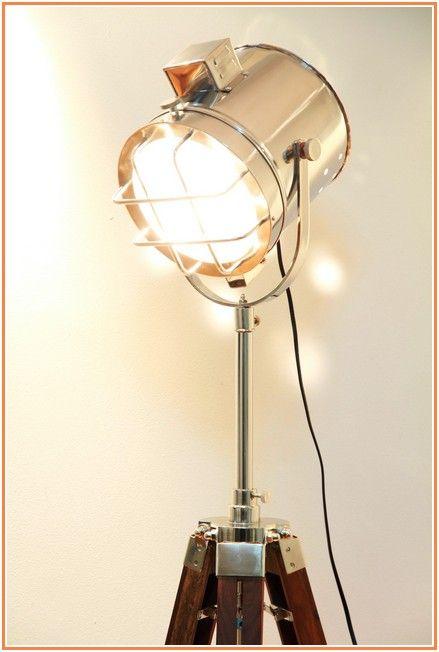 Uncanny Lamp Floor