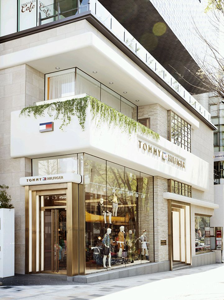 Last week the U.S. brand opened a flagship store at Tokyu Plaza Omotesando Harajuku, a new complex on Omotesando Dori, one of the city's most prestigious shopping strips. Measuring a spacious 1,015 sqm. spread over three floors, it's Tommy Hilfiger's first asian flagship and its biggest store in the region.