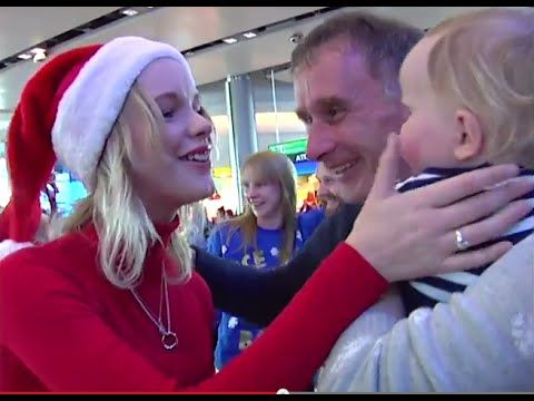 The ultimate surprise Christmas homecoming welcome at Dublin Airport #DUBChristmas