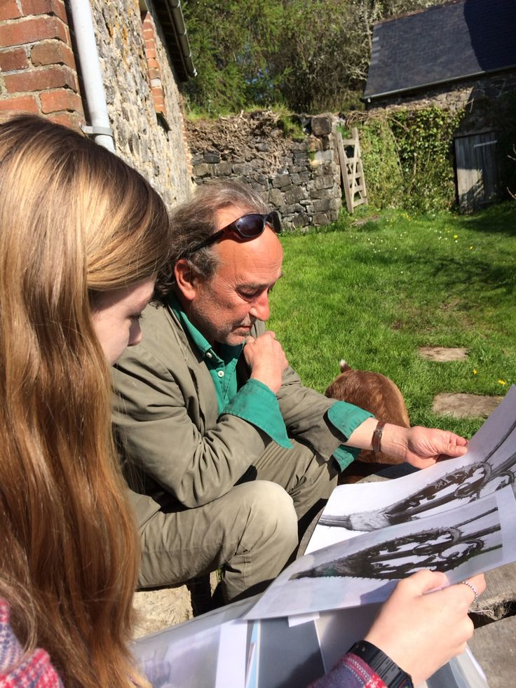 Me showing my observational drawing to Peter Randall Page