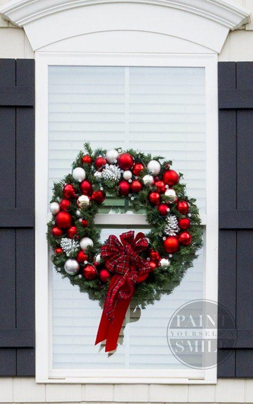 Best 25+ Christmas window wreaths ideas on Pinterest ...