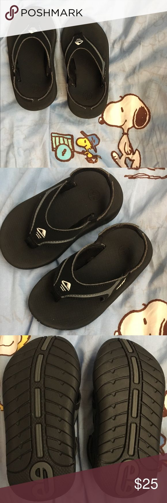 Baby toddler boy girl reef flip flop sandals CUTE small Reef brand sandals. Never worn. Brand new. Bought 2 pairs for my son online not knowing his size and well, this one is too big. Size 5/6. Listed as 5.5 because there is no option for 5/6. Shoes Sandals & Flip Flops