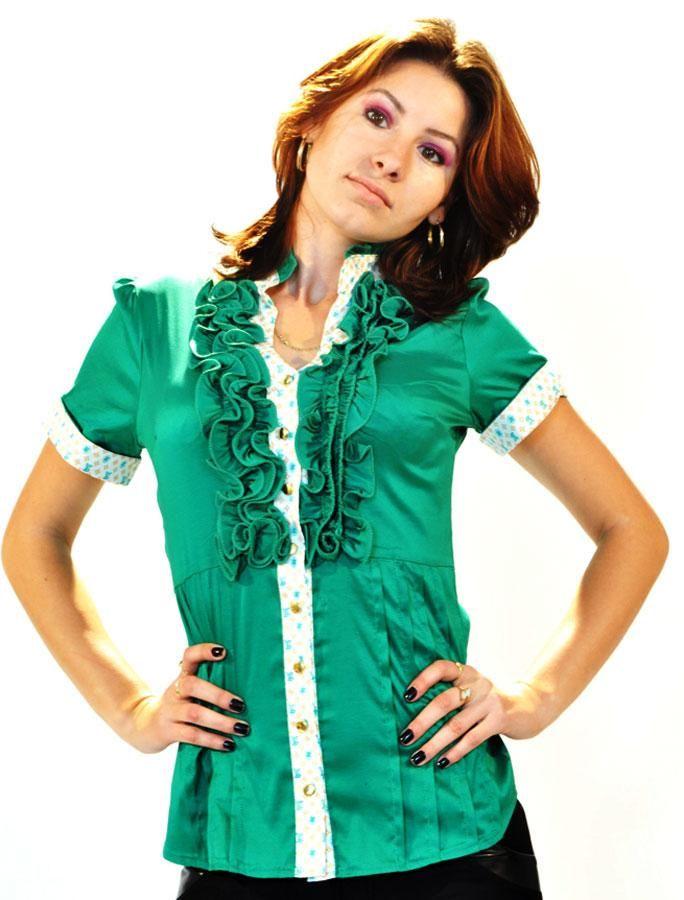 Camasa Dama Louis  -Camasa dama casual-elegant  -Model lejer cu taietura moderna ce scoate in evidenta silueta  -Detaliu de la gat spre bust are un imprimeu cu volane     Lungime: 62cm  Latime talie: 36cm  Compozitie: 47%Poliester, 50%Naylon, 3%Lycra