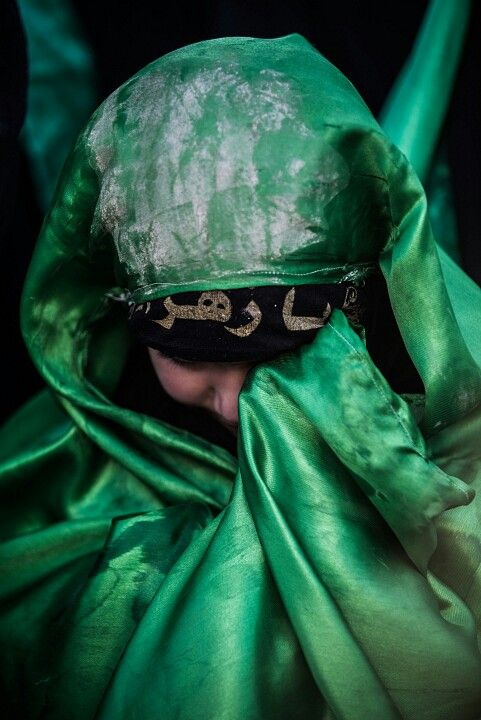 A Shiite girl crying on the day of Ashura #Karbala #Photography #Hussein