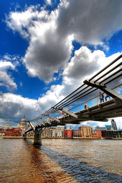 the Millennium Bridge over the Thames ,   connecting the Tate Modern and St Paul's Cathedral. London, via flickr