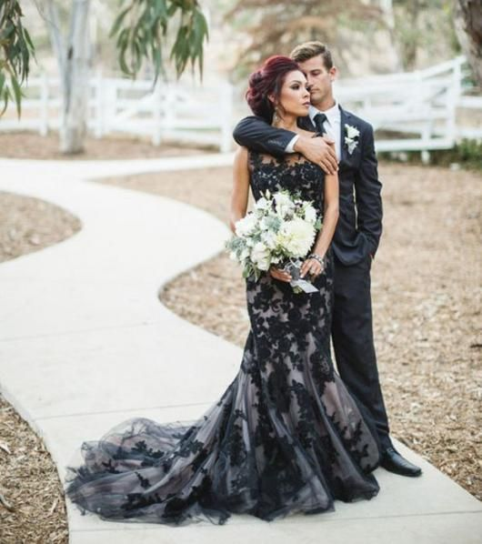Vestido de Noiva Preto: Significado & 70 Modelos Impressionantes | Diários in 2019 | Black wedding gowns, Black wedding dresses, White wedding dresses
