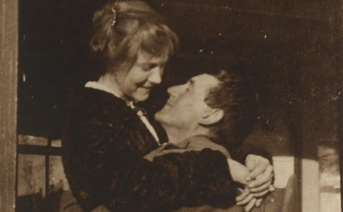 World War I: Love and Sorrow -  When you think of Australians in World War One, what comes to mind? A soldier shivering in a...