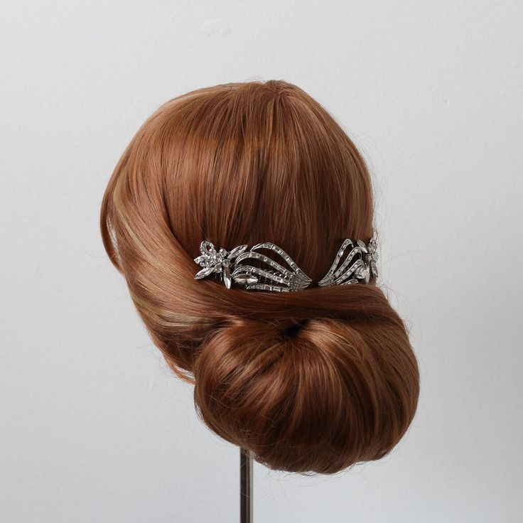 The Great Gatsby Hair Comb, Art Deco Bridal Accessory, 1920s Hair Comb, Old Hollywood Hair Comb, Crystal Wedding Comb, Silver Hair Comb by Atelier305 on Etsy https://www.etsy.com/ca/listing/516844929/the-great-gatsby-hair-comb-art-deco