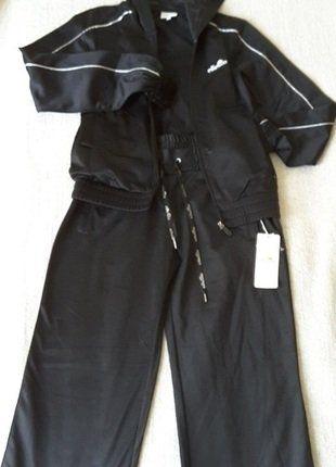 À vendre sur #vintedfrance ! http://www.vinted.fr/mode-femmes/survetements/30088600-survetement-noir-veste-et-pantalon-ellesse-taille-s
