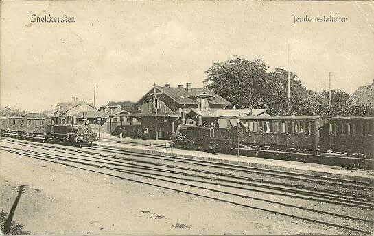 Snekkersten Station