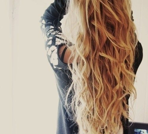 Love long wavy hair