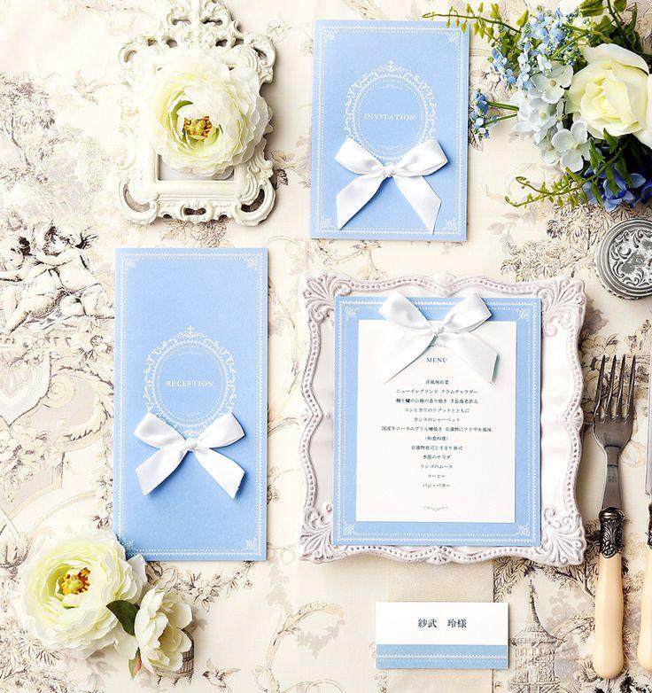 リボンで上品に ♡結婚式の青でエレガントな席次表まとめ一覧♡