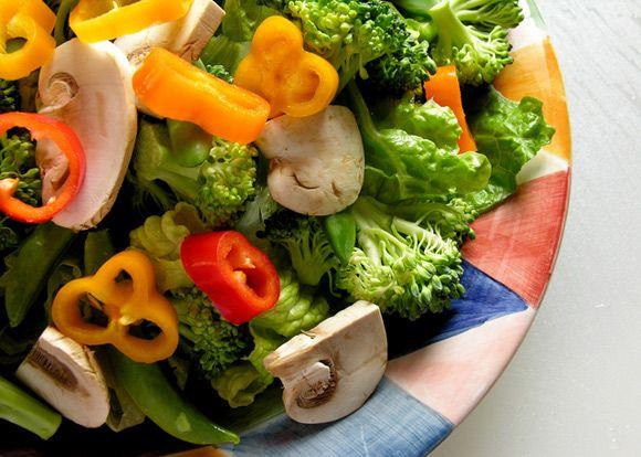 Tips mudah bagaimana memilih salad yang baik agar tidak terjebak makanan yang tinggi lemak