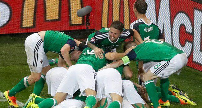 EURO 2016 : Kuzey İrlanda 2-0 Ukrayna http://futbolklavuz.com/forum/entry.php?113-EURO-2016-Kuzey-irlanda-2-0-Ukrayna