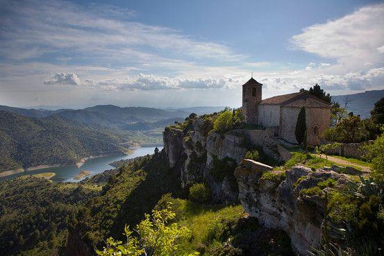 Wine and hiking in Priorat (WSJ article) - Siurana, al Priorat (Catalunya - Catalonia).