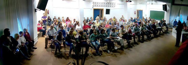 Presupuestos Participativos 2016-Asamblea celebrada el 4 de noviembre de 2015 en el Instituto Isla de León.