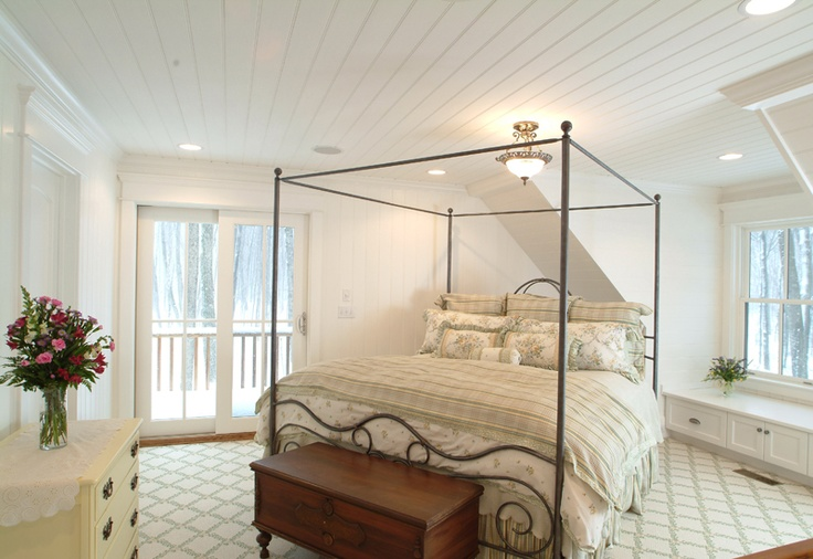 tongue and groove ceilingBeds, Guest Bedrooms, Dreams House, Ceilings Envy, Cleaning Feelings, Bedrooms Inspiration, Cabin Cottages, Cottages Charms, Bedrooms Ideas