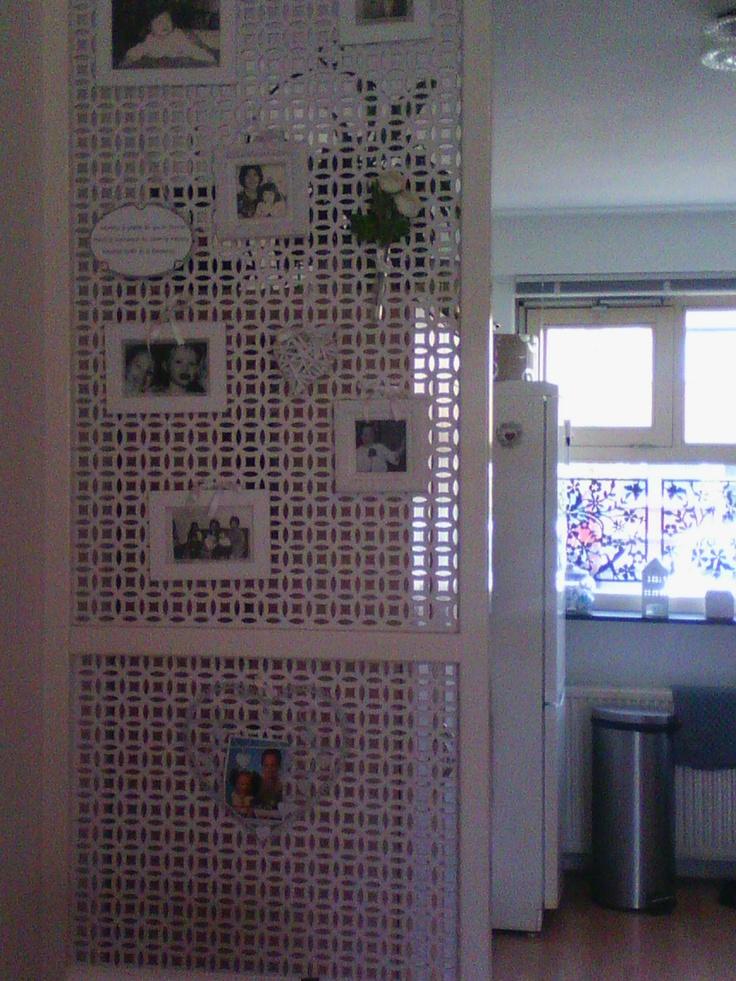 Roomdivider gemaakt van radiatorcoverplaten
