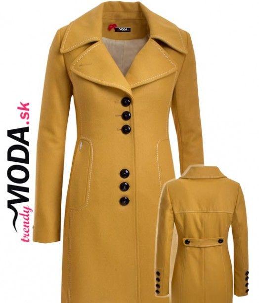 Moderný vlnený zimný dámsky kabát vo výraznej žltej farbe s ozdobným štepovaním a zapínaním na gombíky. - trendymoda.sk