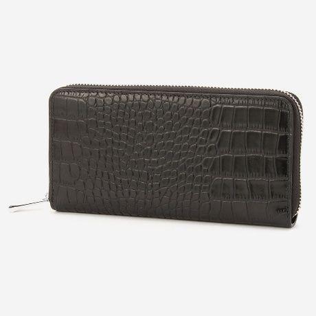 コムサメンのクロコ型押し長財布ギフトにもぴったりな品のあるクロコの型押し長財布です。厚みのある牛革に強い型押しをする事で、日常的…