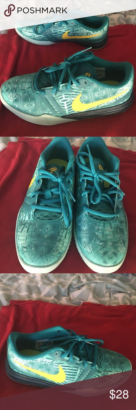 Nike shoes size 4.5 Youth womens 7 used Nike shoes size 4.5 youth women's size 7 great condition I only used them a couple of times green and yellow color Nike Shoes Athletic Shoes