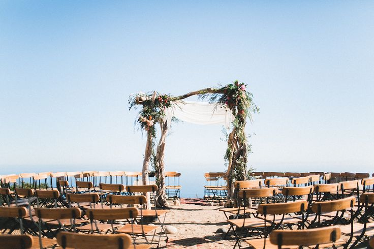 Best 25+ Circle Wedding Seating Ideas On Pinterest
