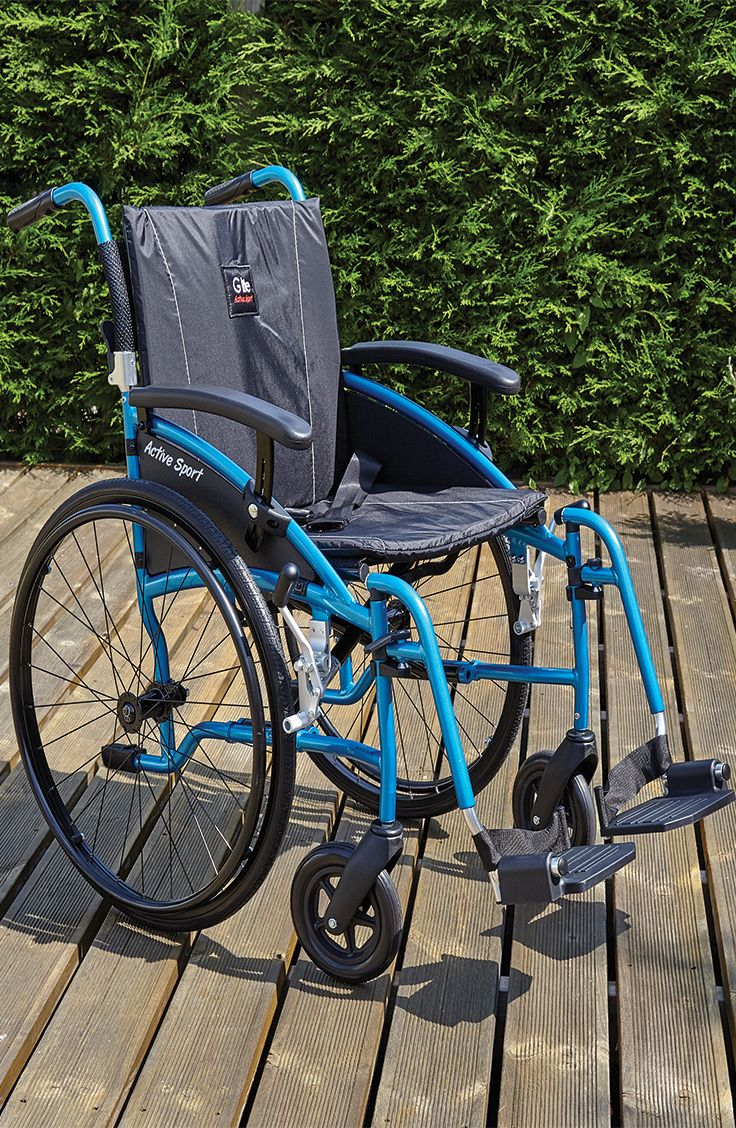 The G-Lite Pro High Active have a lightweight frame making it easy to transport. Equipped with bicycle inspired tyres the High Active can travel over rough terrain with ease.