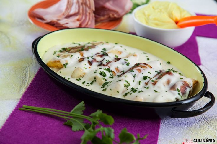 Receita de Mimos de pescada enrolados em bacon. Descubra como cozinhar Mimos de pescada enrolados em bacon de maneira prática e deliciosa com a Teleculinária!