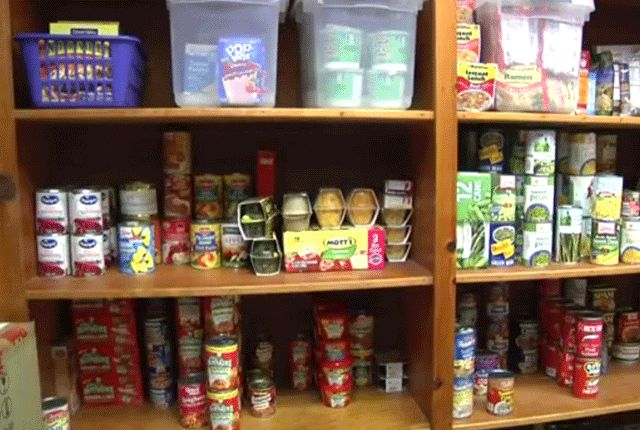 High School's Anonymous Pantry Offers Discreet Access to Necessities | Mental Floss