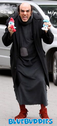 Gargamel Costume: lange zwarte jurk en rode schoenen