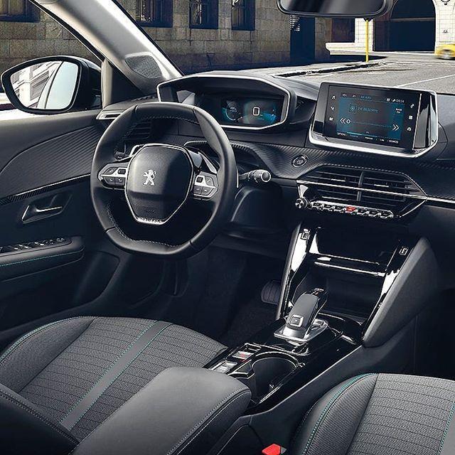 Peugeot 208 2020 Compacto Frances Foi Completamente Renovado Nesta Nova Geracao Agora Desenvolvida Sob A Nova Arquitetura Mo Peugeot Opel Corsa Carros De Luxo