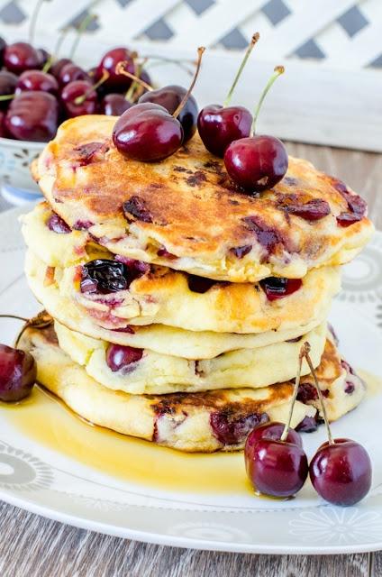 Lekker: pancakes met kersen!