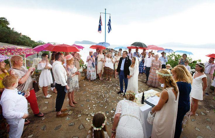 Rainy wedding ceremony #weddingphotography #hydra #ceremony