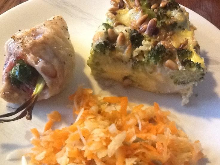 Gevulde kippendijen met broccolitaart en wortel-koolrabisalade